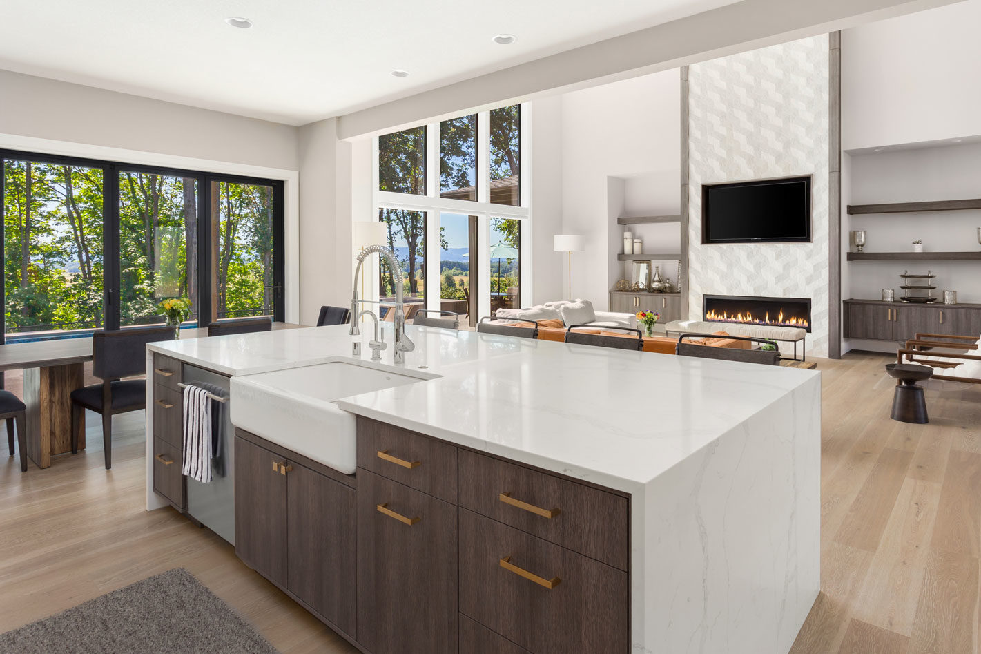 Alpha-Builders-Group-Custom-Homes-and-Condos-Austin-Texas-Jacksonville-Florida-Interior-Kitchen-Island-e1566395329166