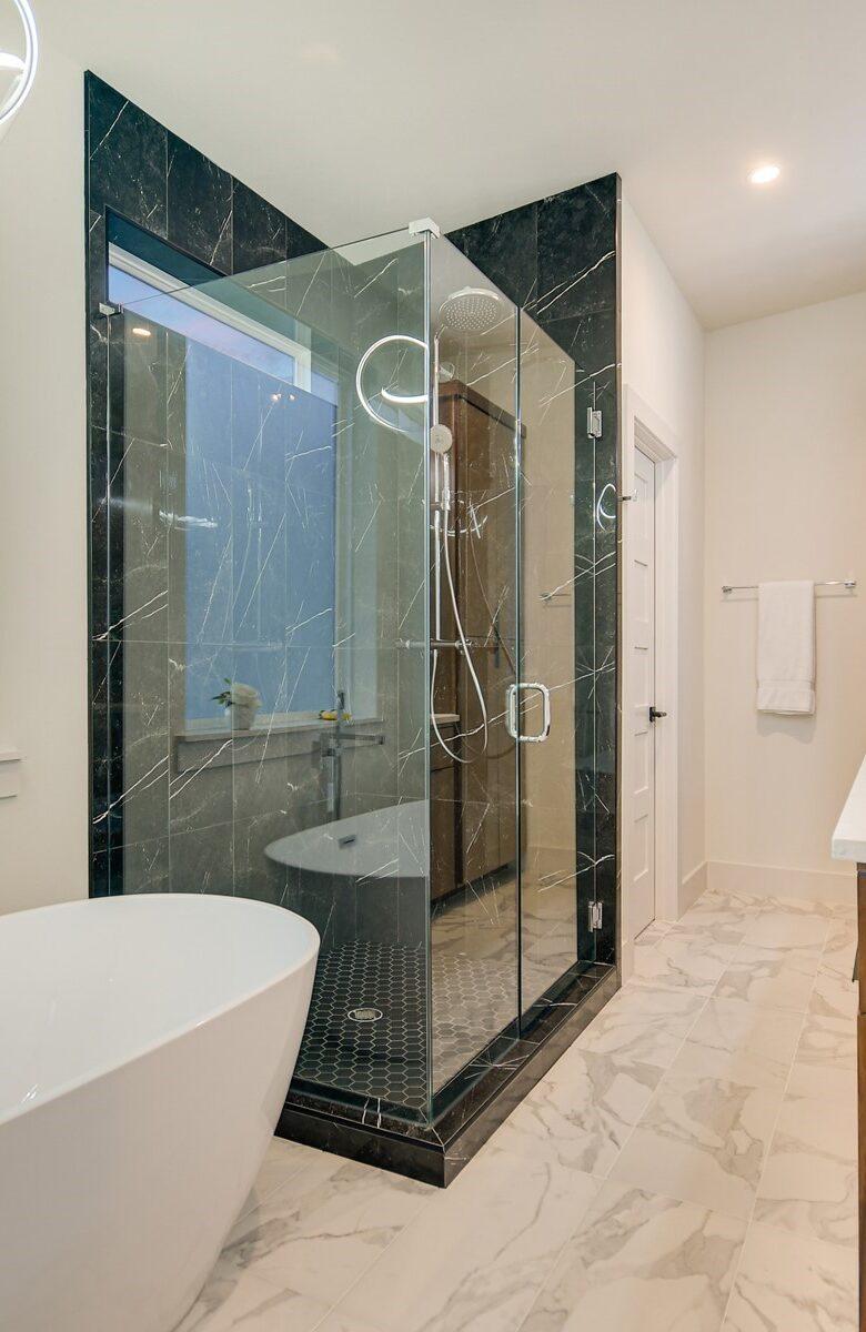 AlphaBuildersGroup-AustinTexas-Homebuilder-Master-Bathroom