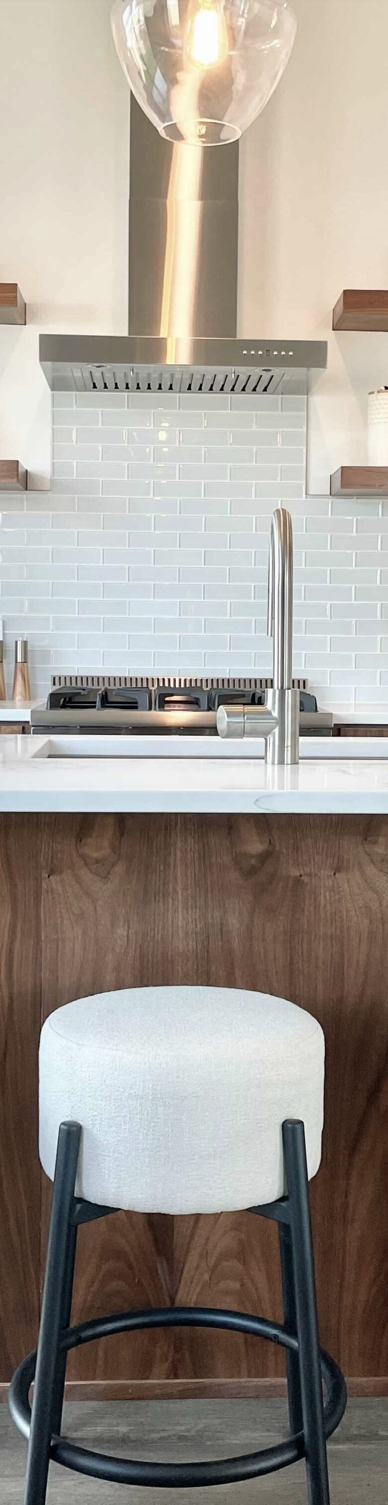 AlphaBuildersGroup-AustinTexas-Homebuilder-custom-cabinets-kitchen-island